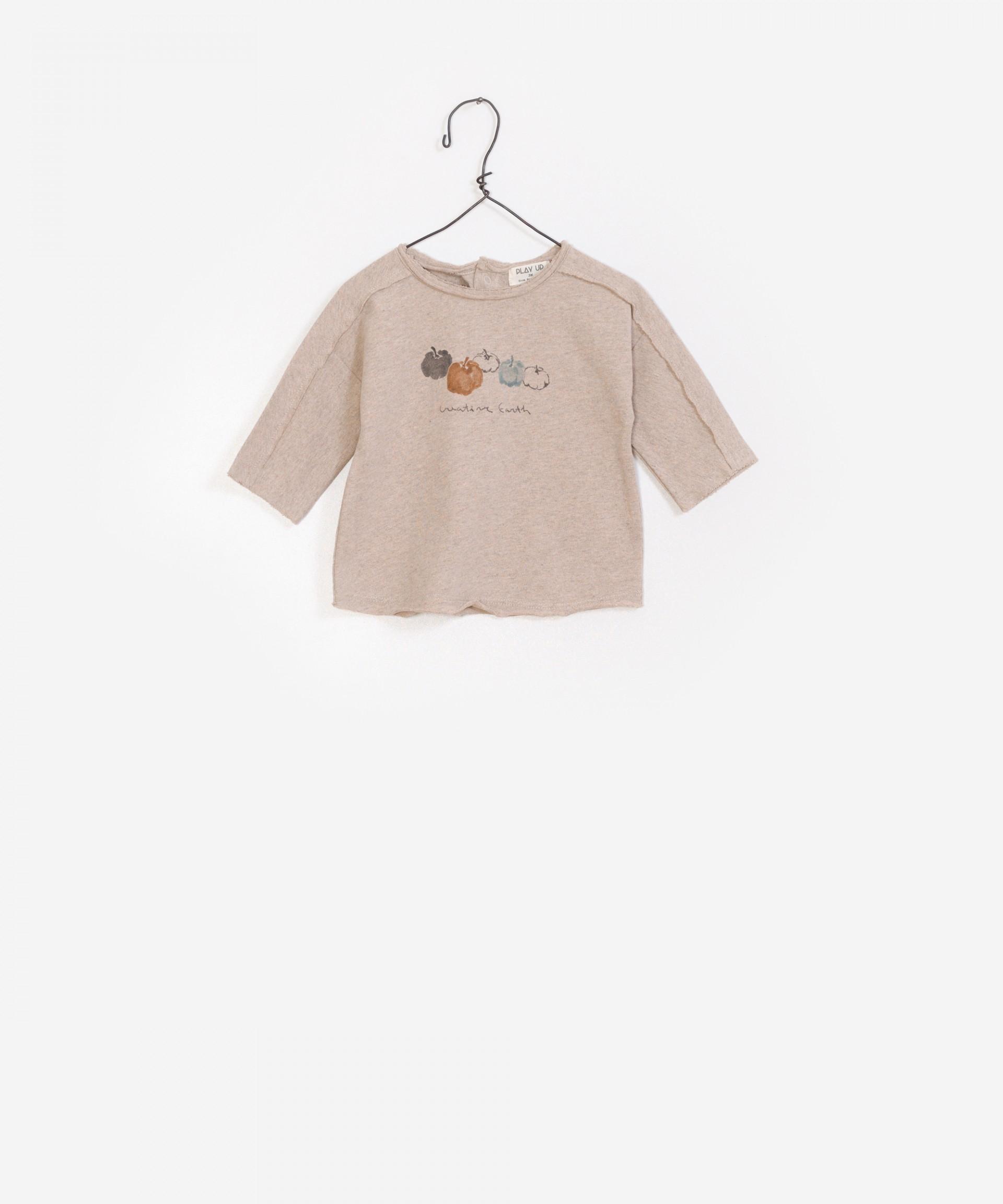 Camiseta de punto con materia prima reciclada