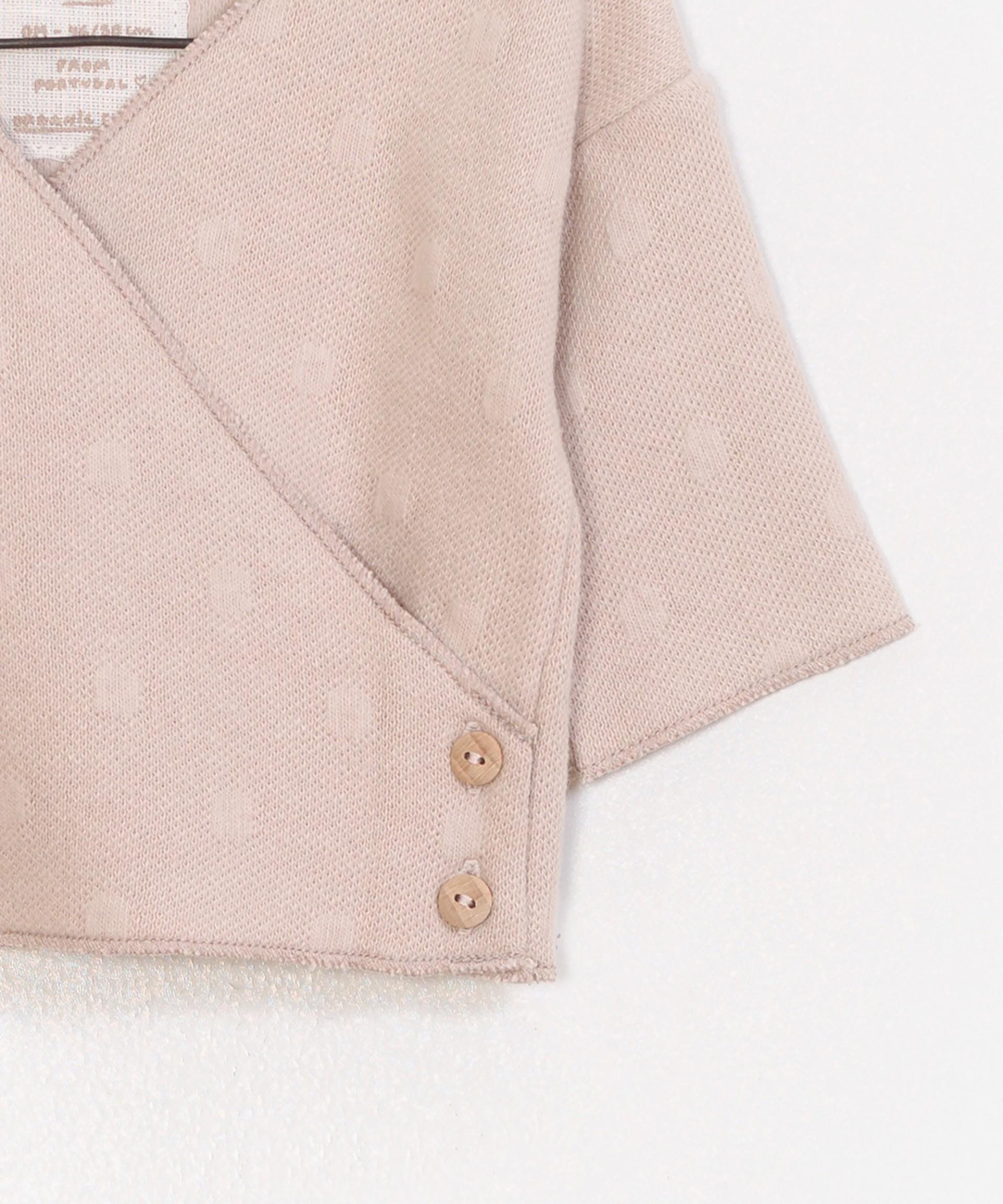 Abrigo liso con cuello en V falso