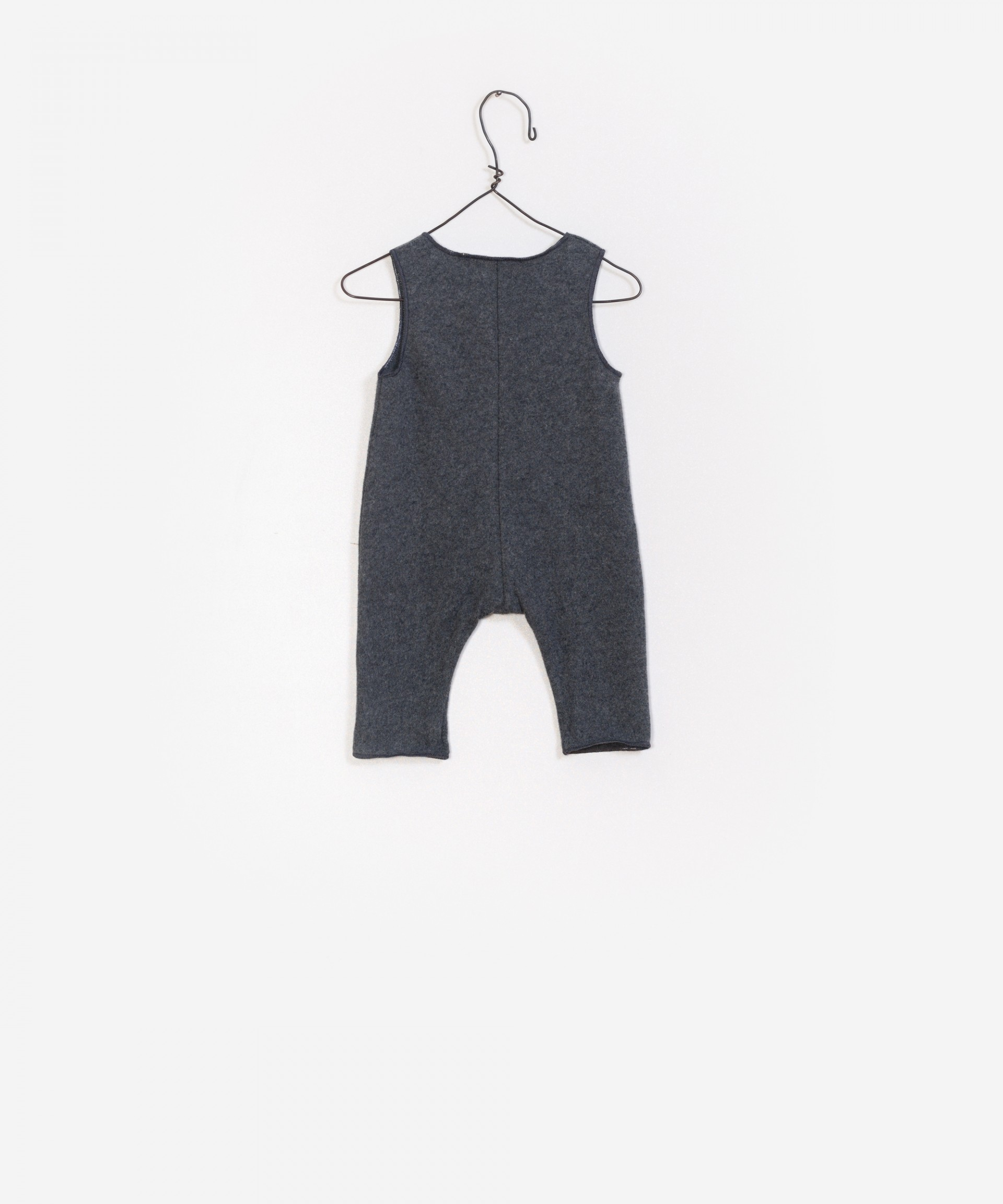 Newborn buttons jumpsuit