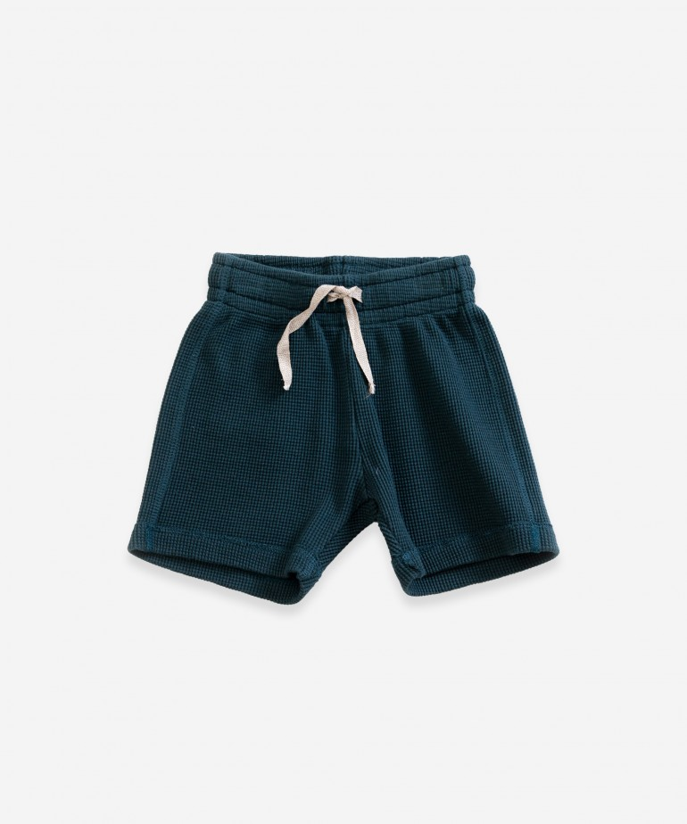 Shorts with back pocket