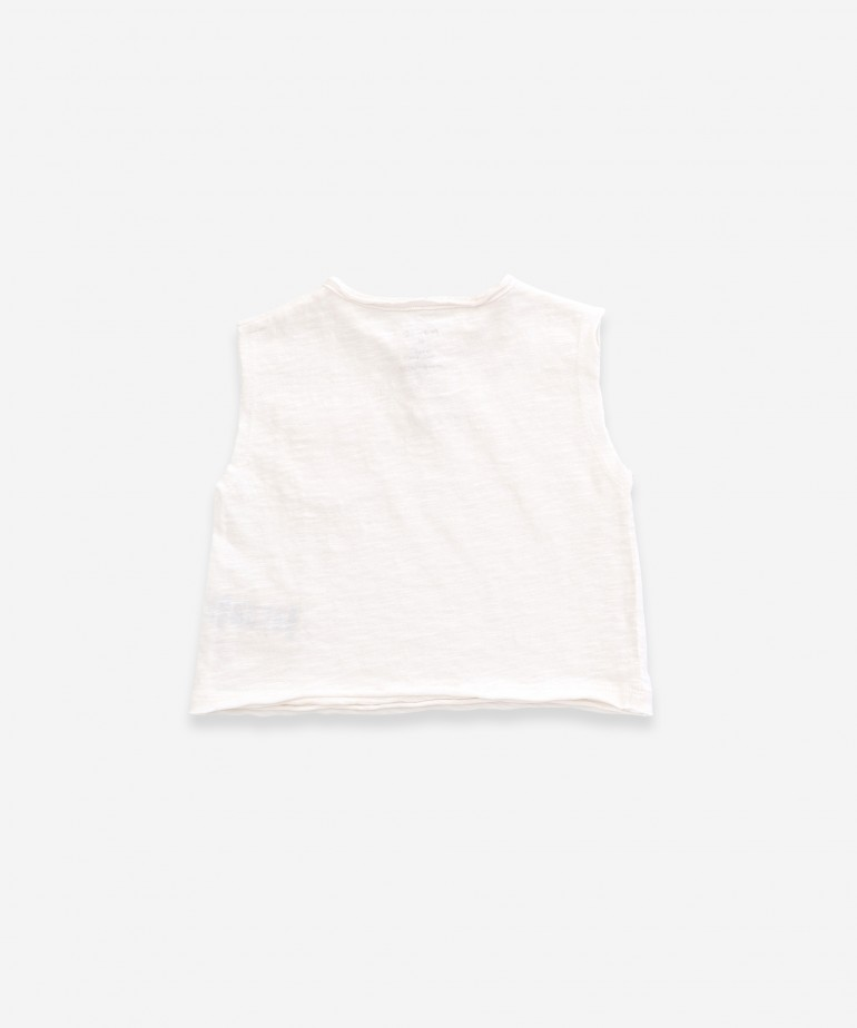 Sleeveless t-shirt