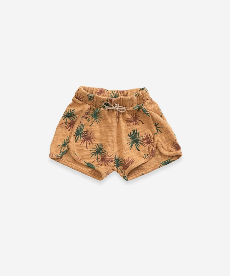 Shorts with palmtree print