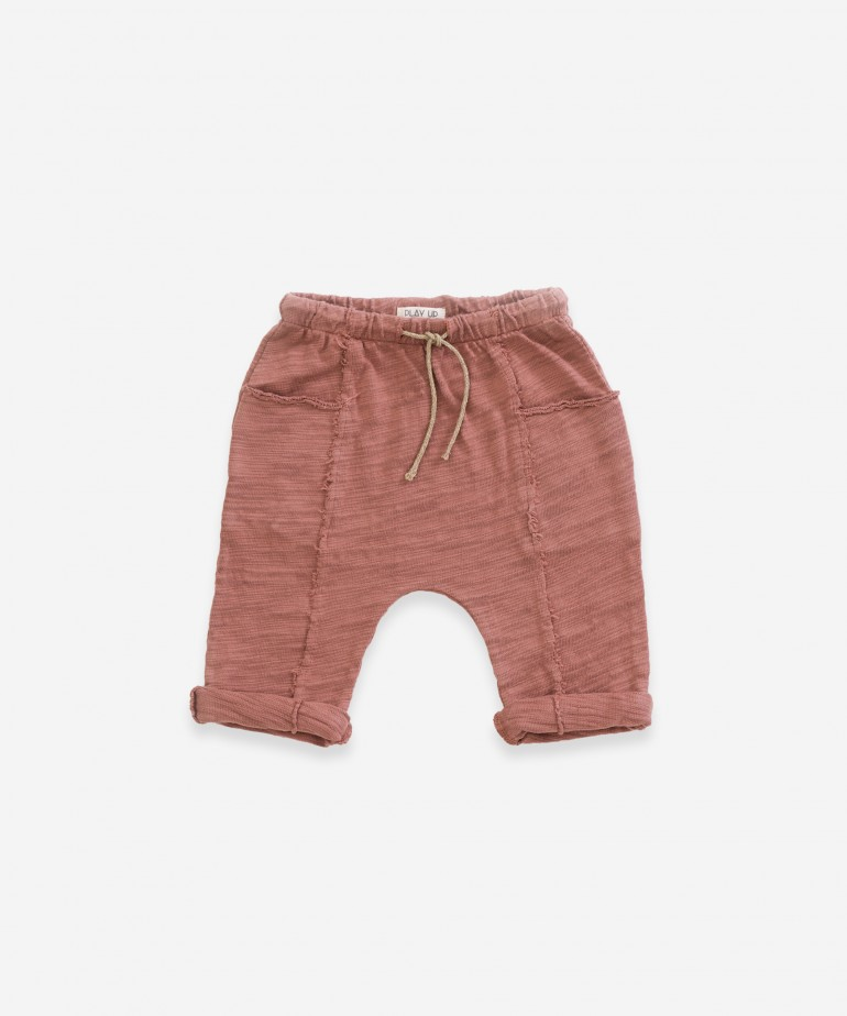 Pantalón con bolsillos