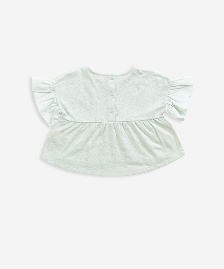 Tunic with frill on sleeves