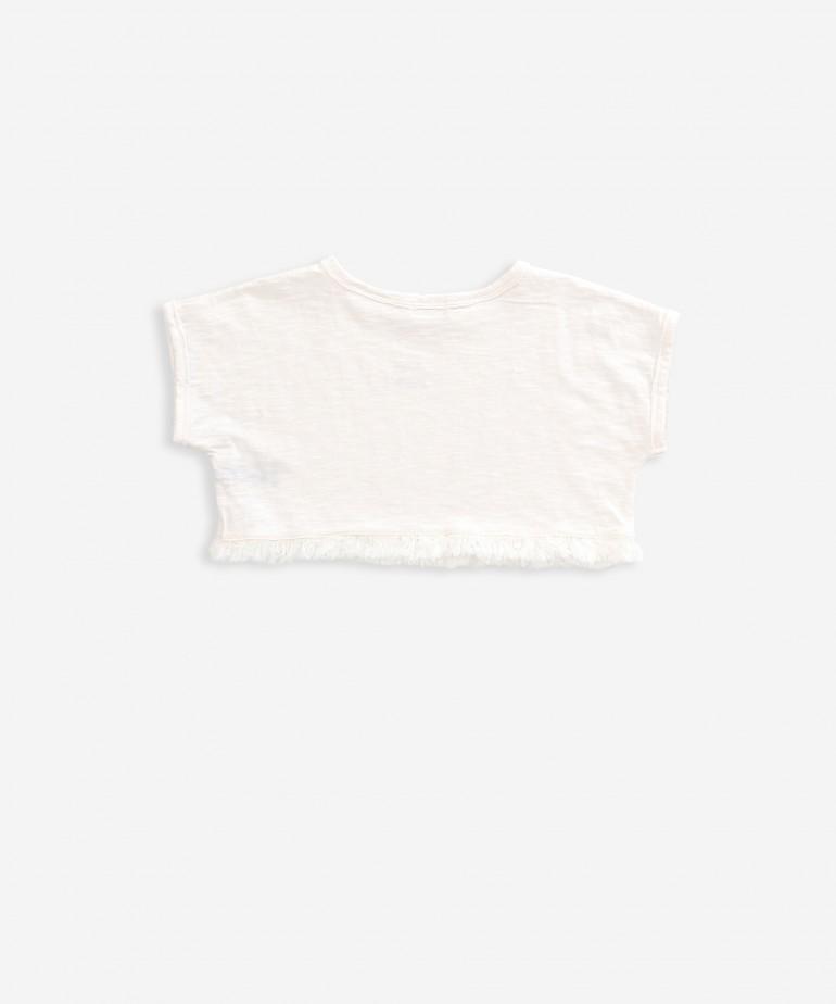 T-shirt curta com franjas