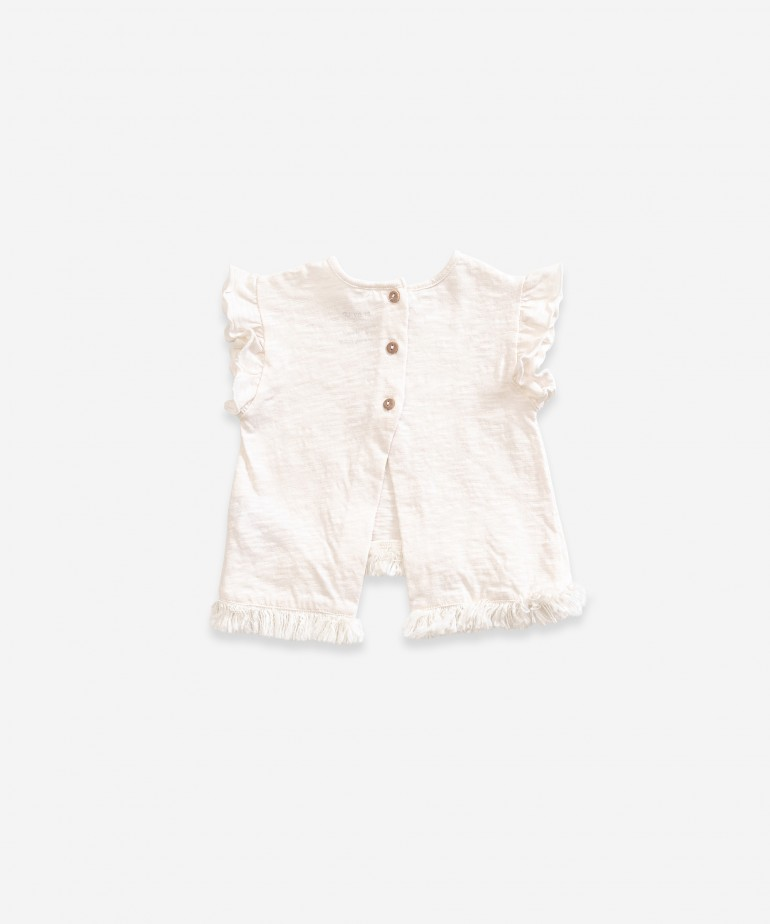 Camiseta de flecos con protección solar