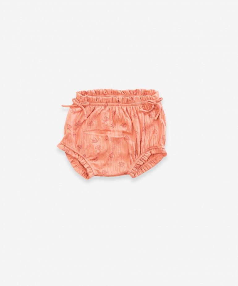 Underwear with leaf print