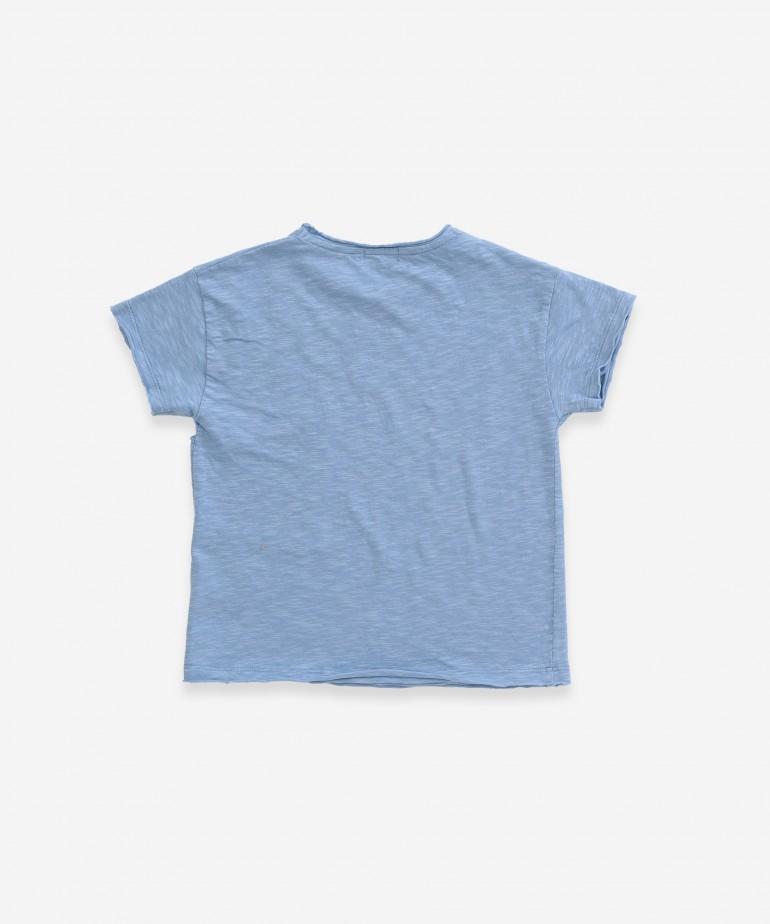 Camiseta con bolsillo asimétrico