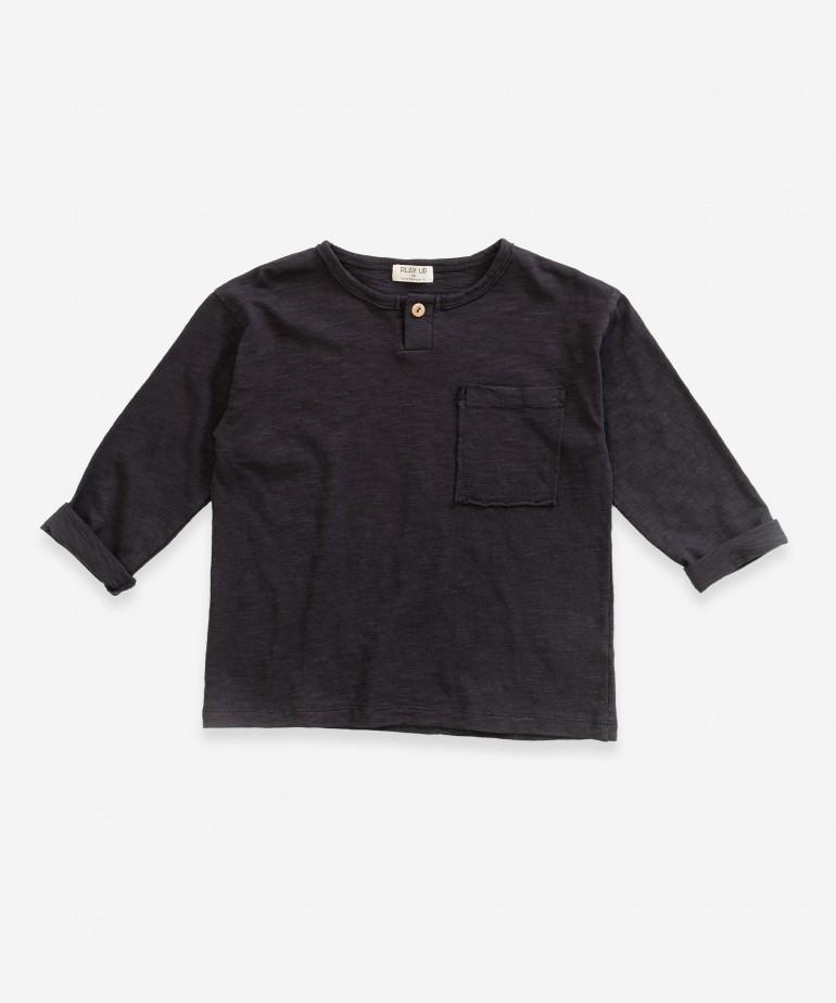 T-Shirt a maniche lunghe con tasca