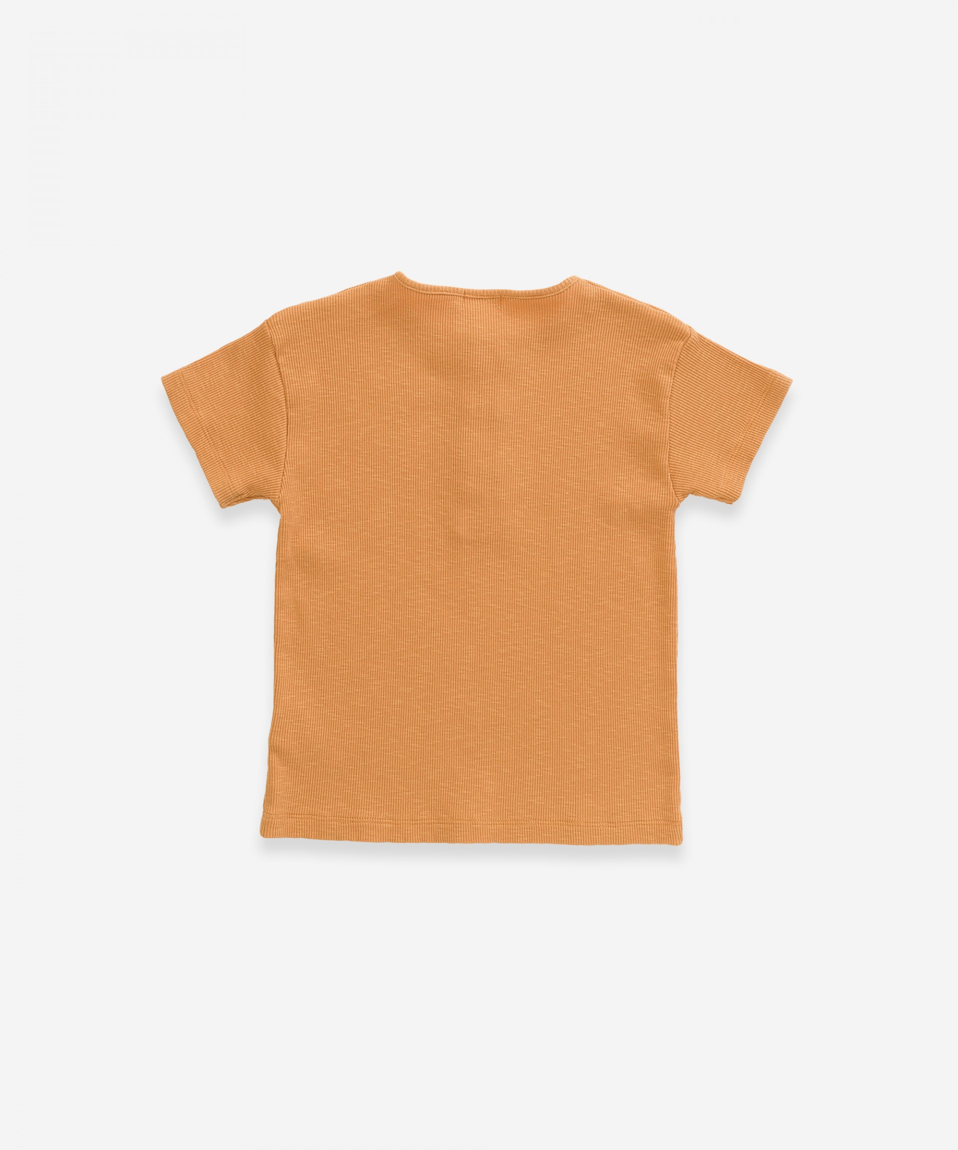 T-shirt in organic cotton with wooden buttons | Weaving