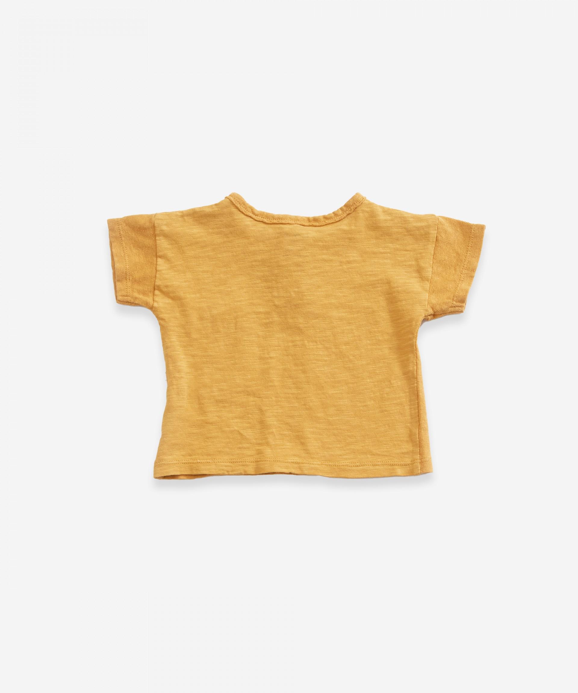 Camiseta de algodón orgánico con dos botones  | Weaving
