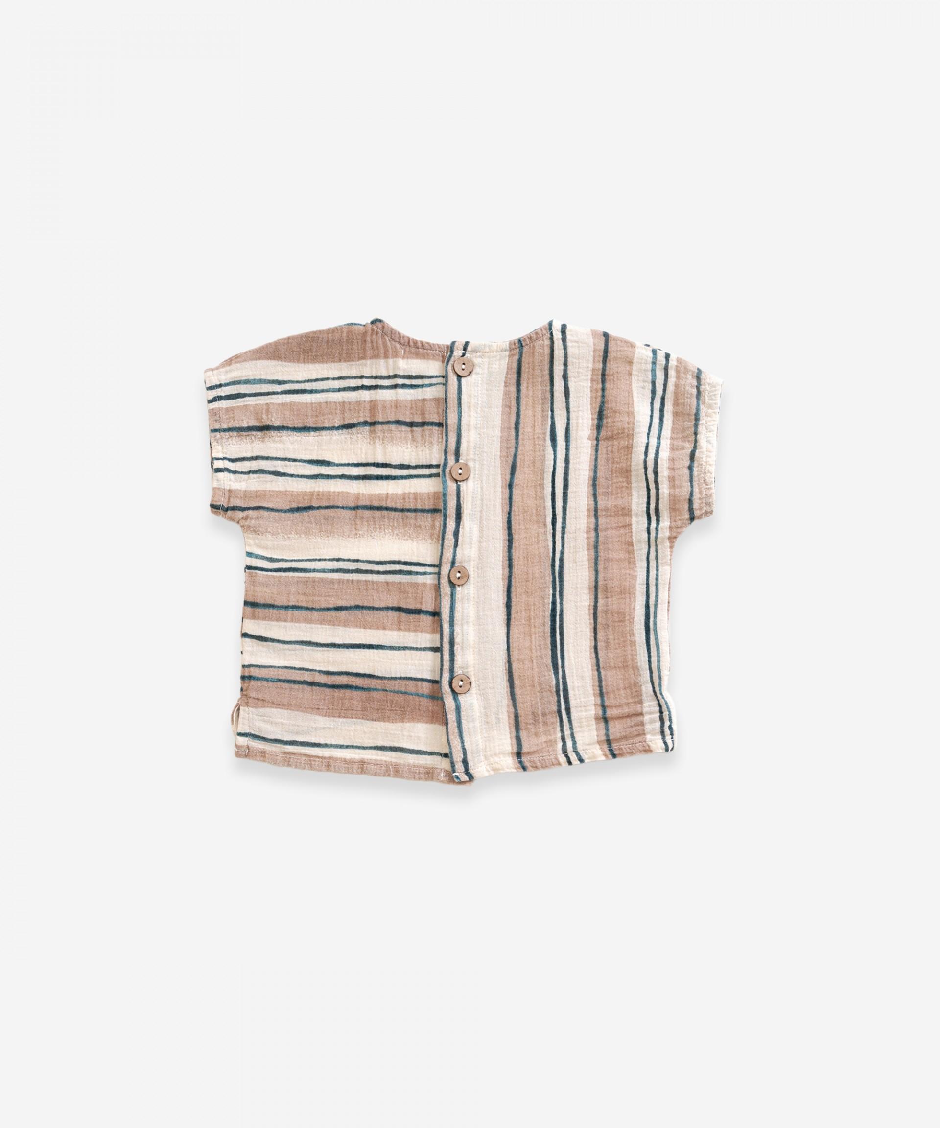 Camisa em tecido com abertura nas costas | Weaving