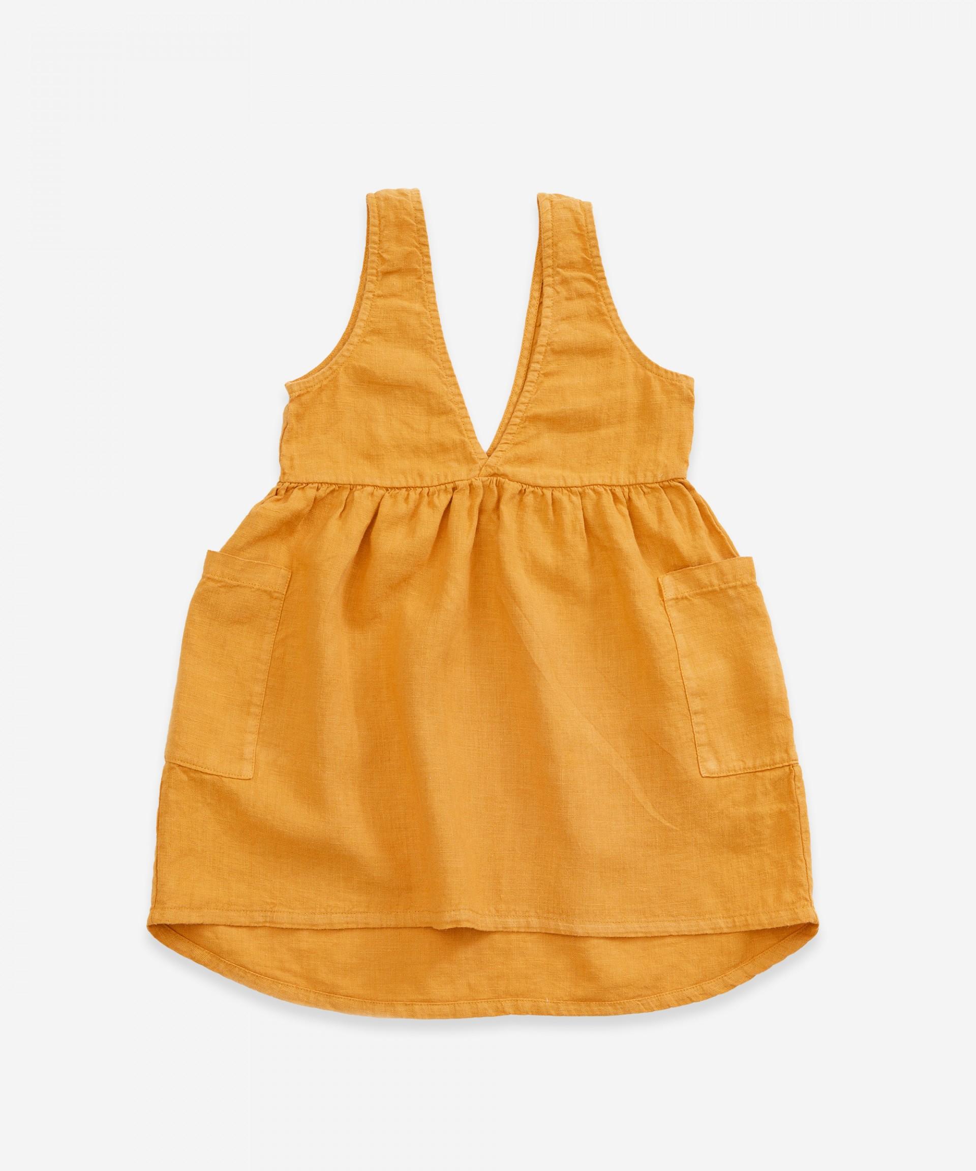 Saia de peito em tecido com decote em V | Weaving