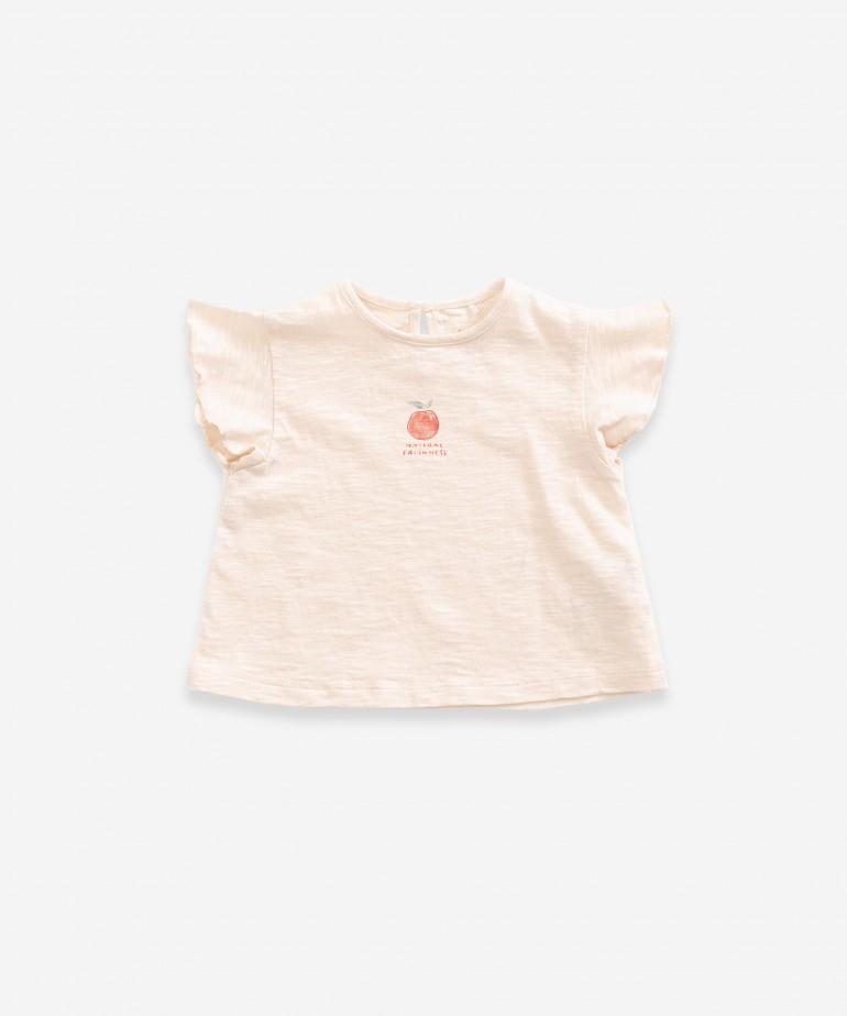 T-shirt com desenho na frente