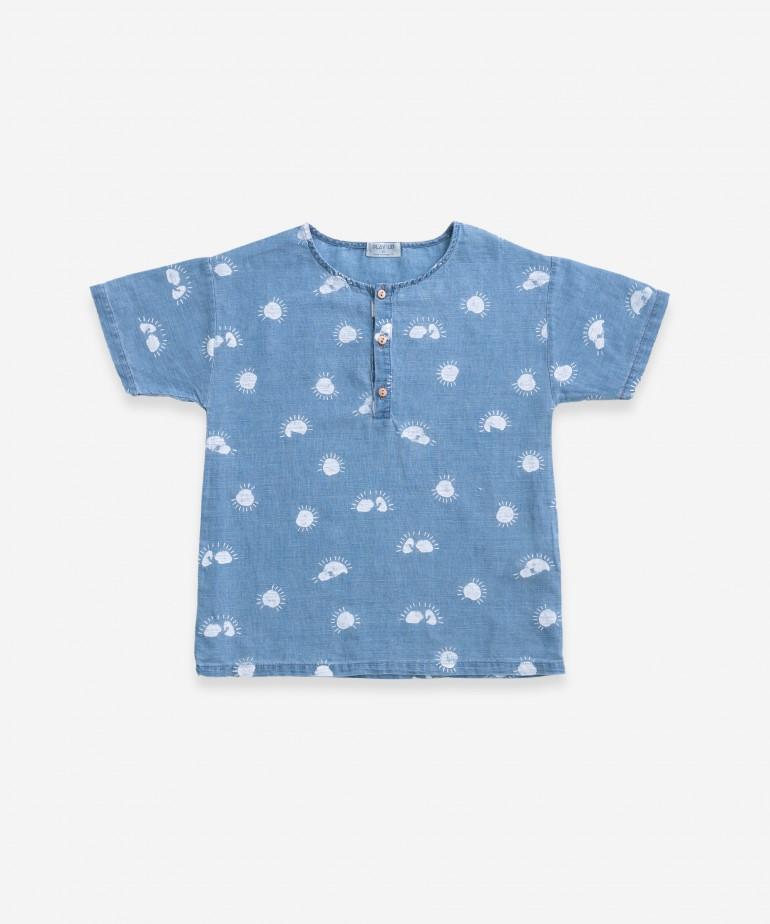 Camisa con estampado de sol