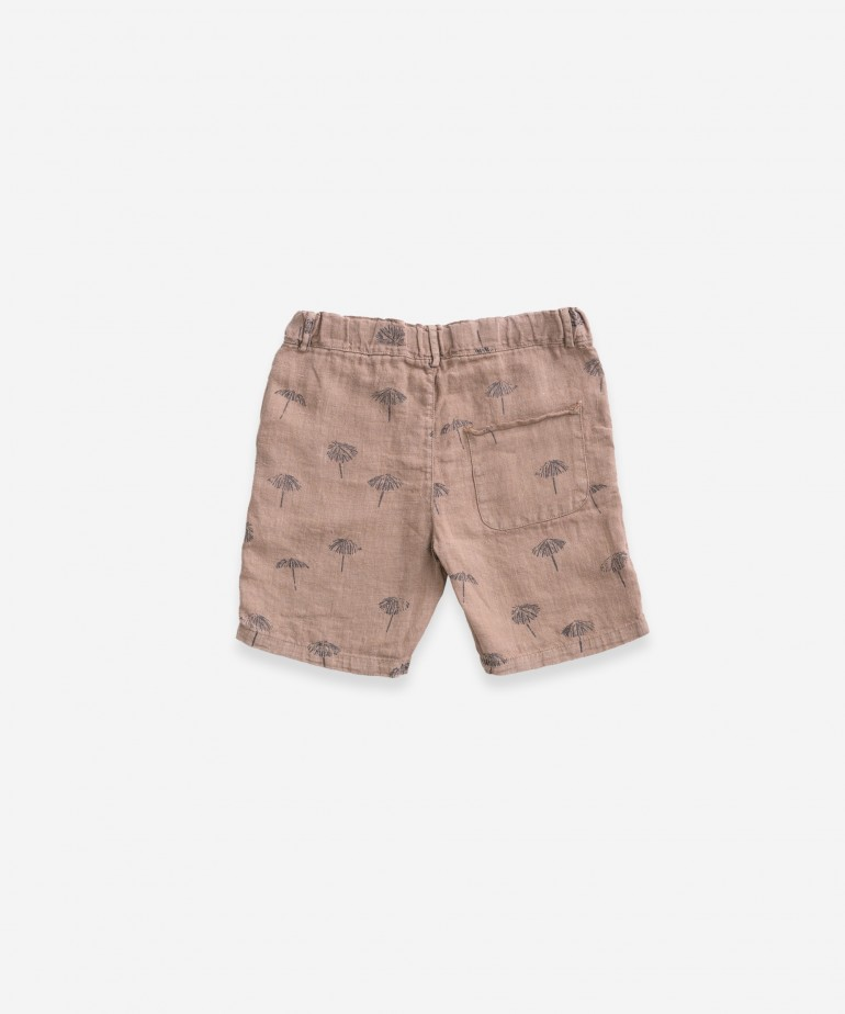 Pantalón corto estampado de lino