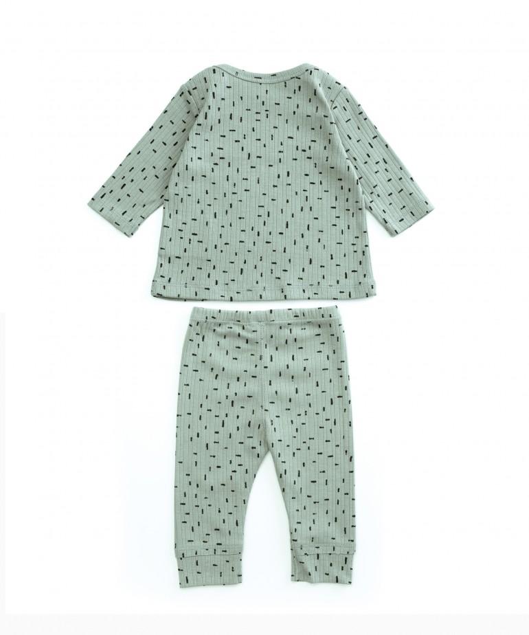 Pijama com estampado