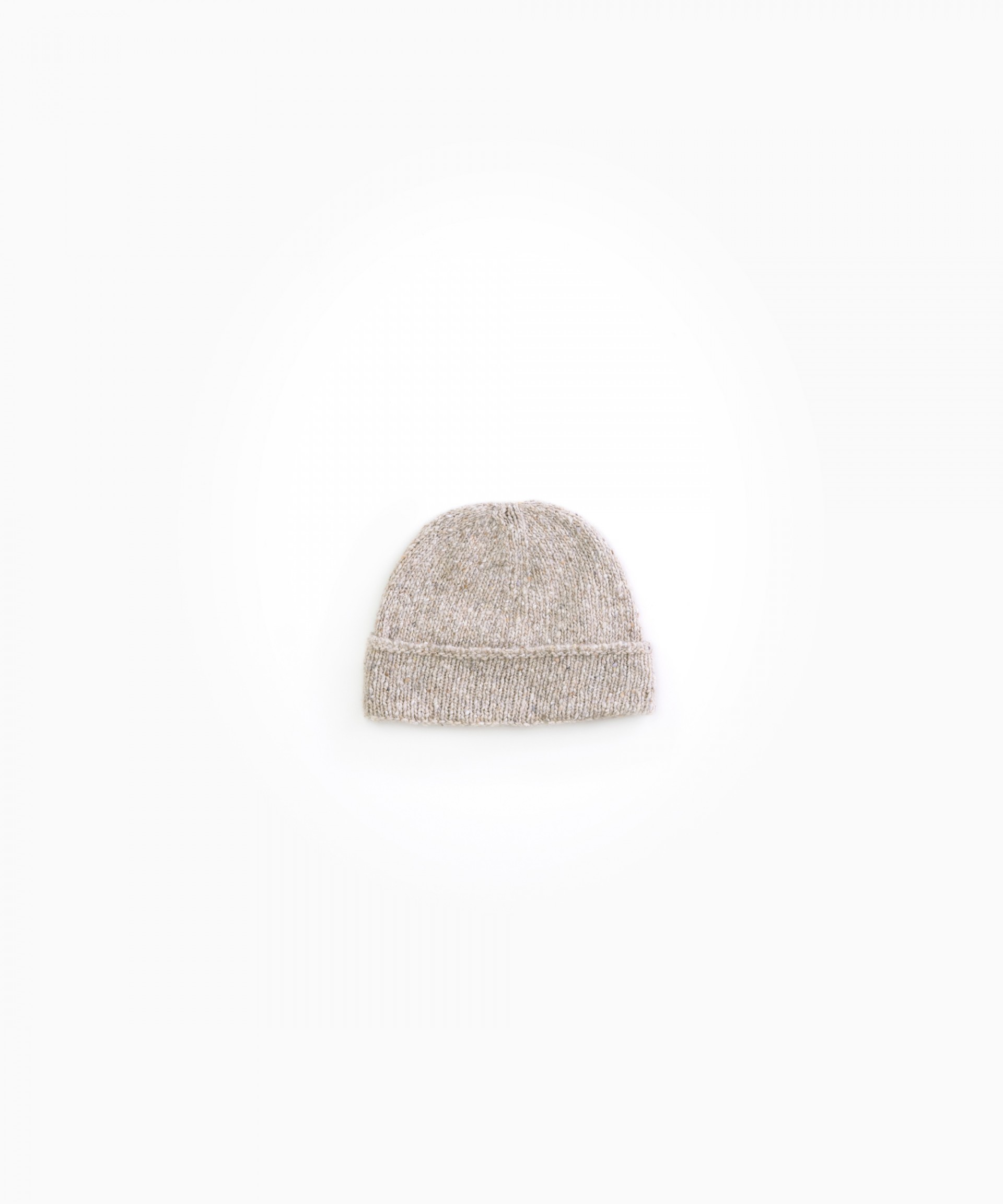 Knitted bonnet with recycled fibres | Woodwork