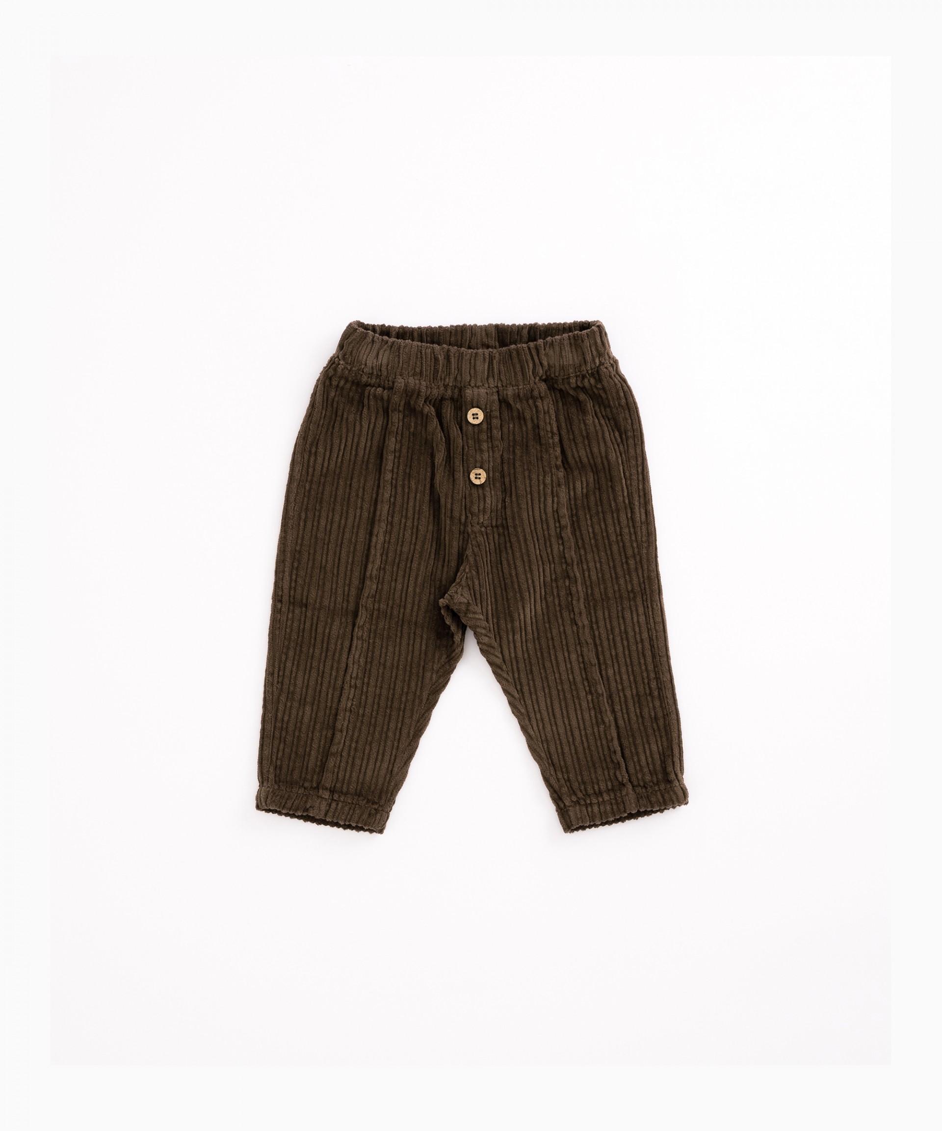 Pantalón de pana con botones decorativos | Woodwork