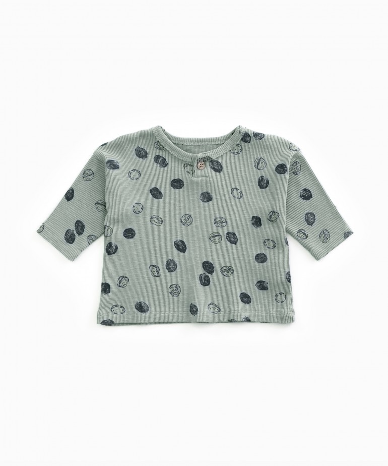 T-shirt with nuts print