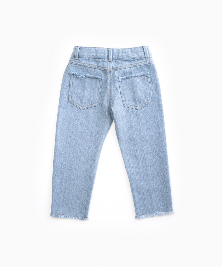 Denim trousers with recycled fibres
