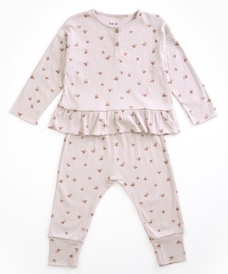 Pyjamas with bee print
