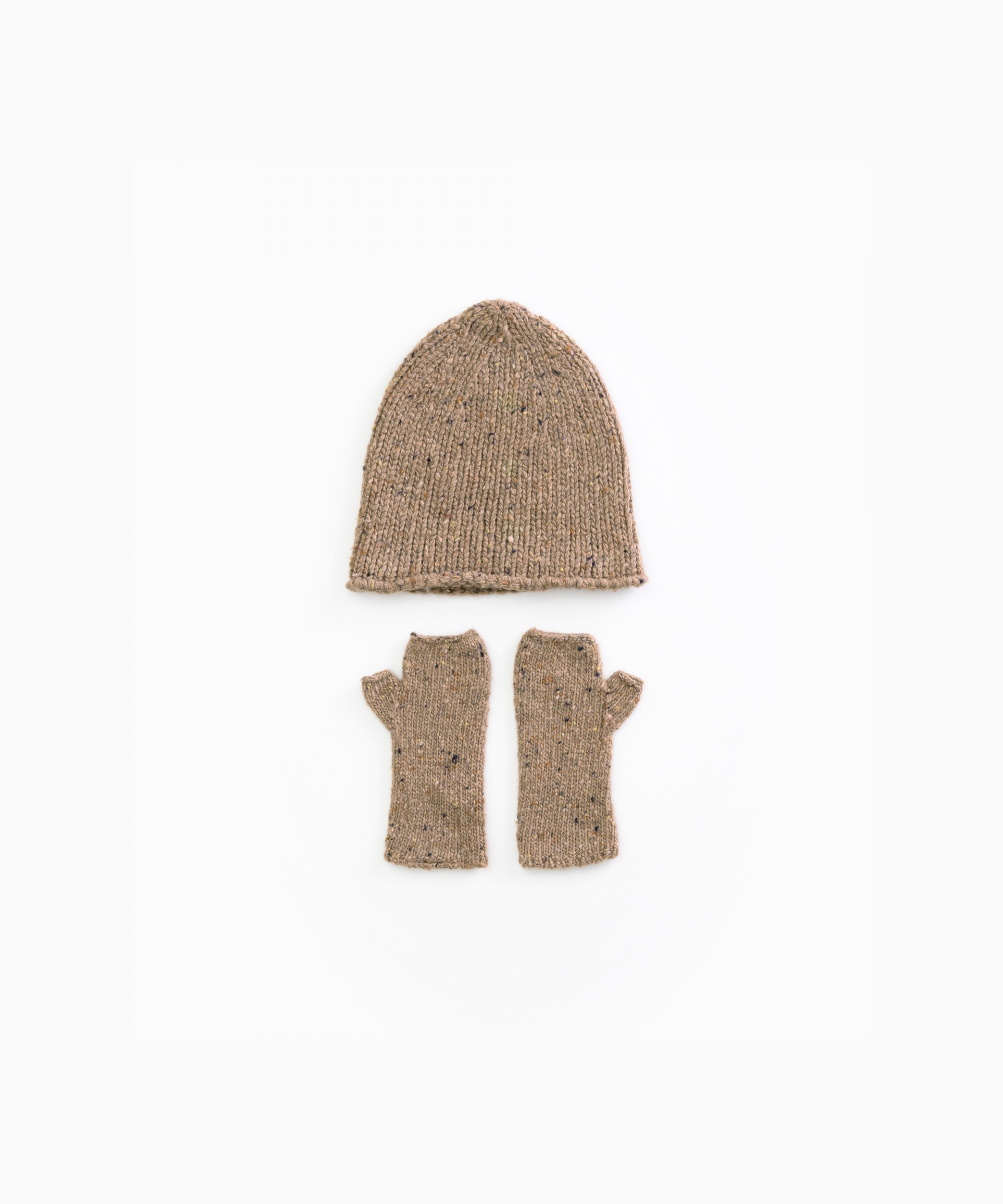 Knitted set with recycled fibres | Woodwork
