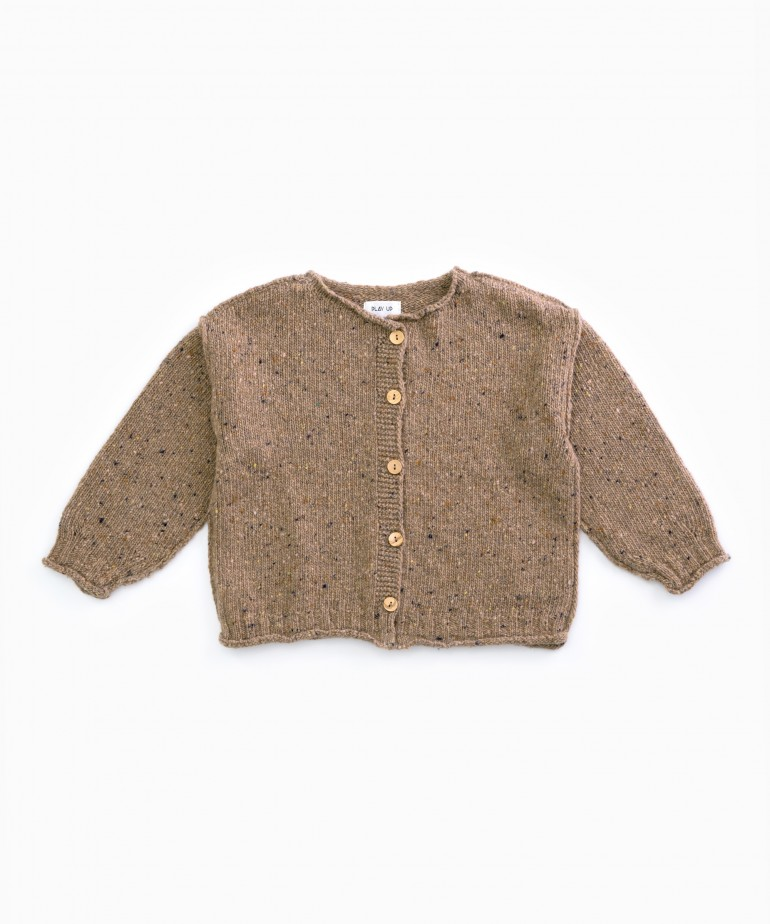 Knitted cardigan with wooden buttons