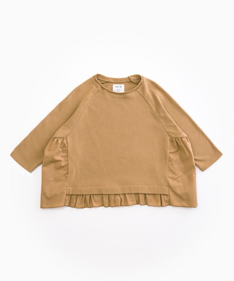 Jersey with cloth frill