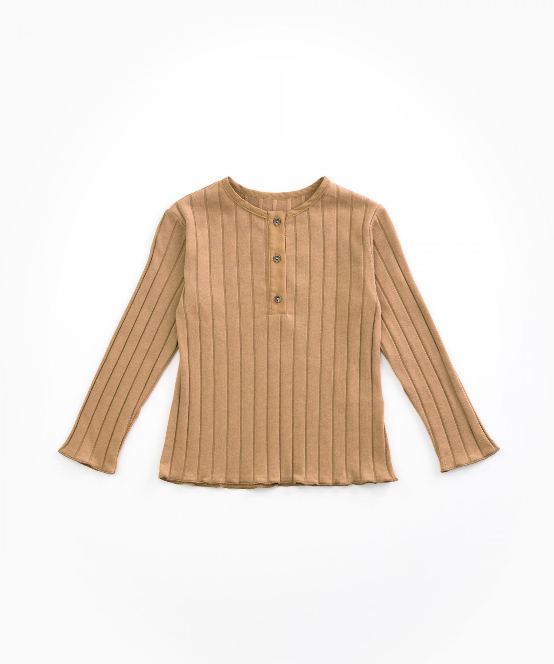 Camiseta con cierre de botones | Woodwork