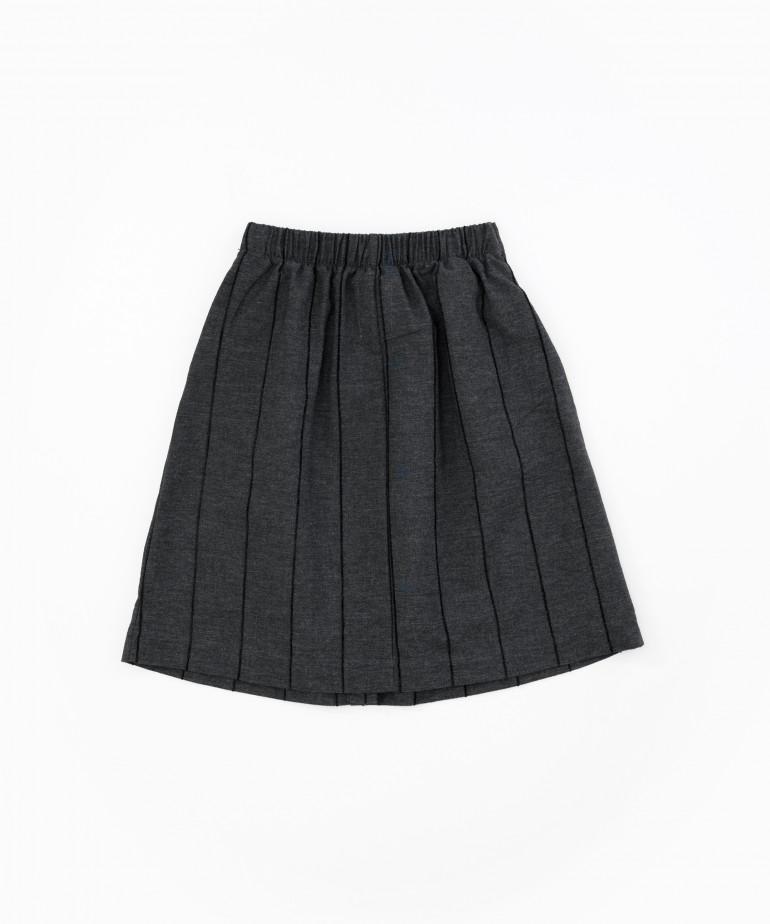 Falda de rayas de fibras recicladas