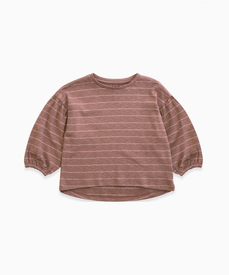 Striped jersey with large sleeves