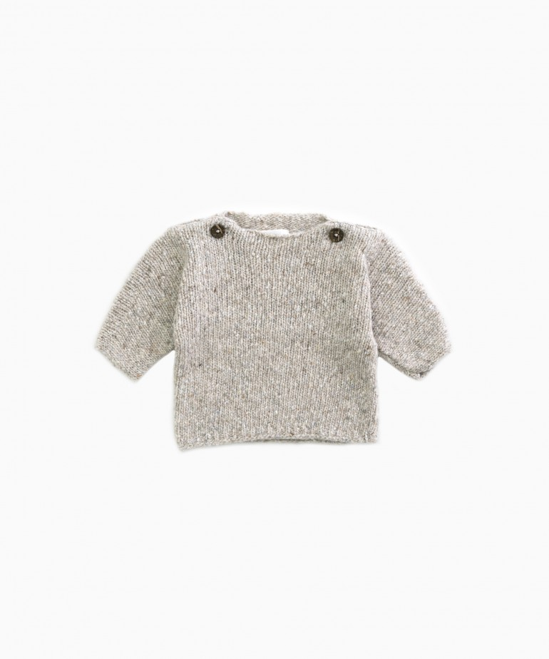 knitted sweater with recycled fibres