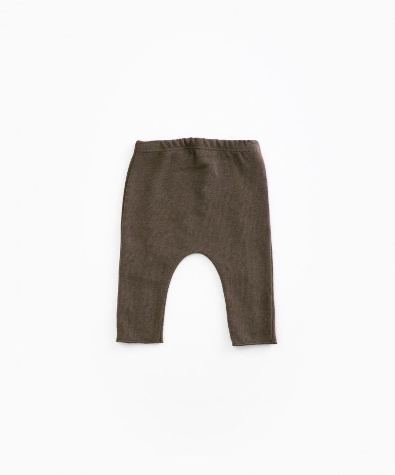 Trousers with ribbing