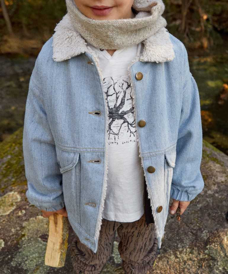Denim jacket with recycled fibres