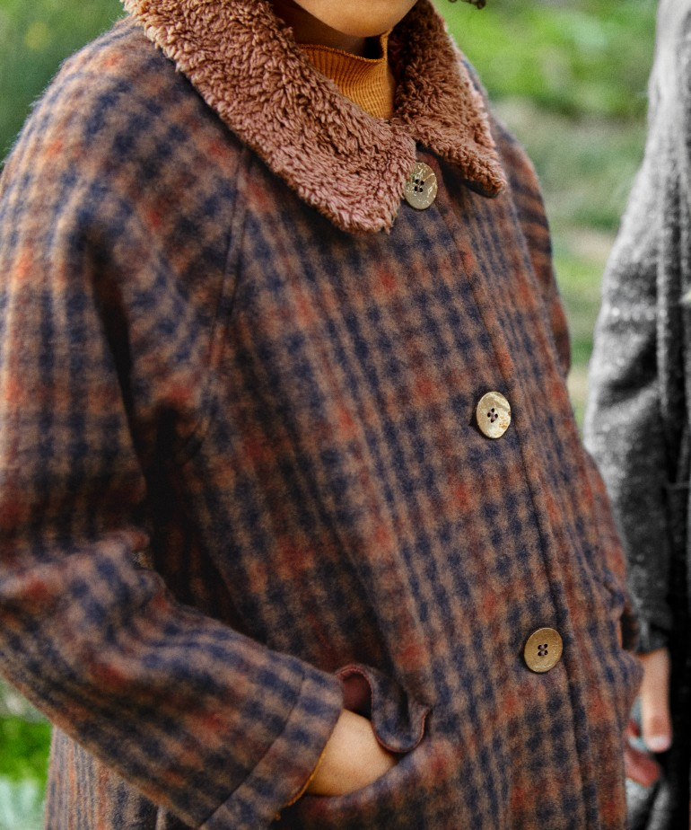 Chequered jacket with fur collar