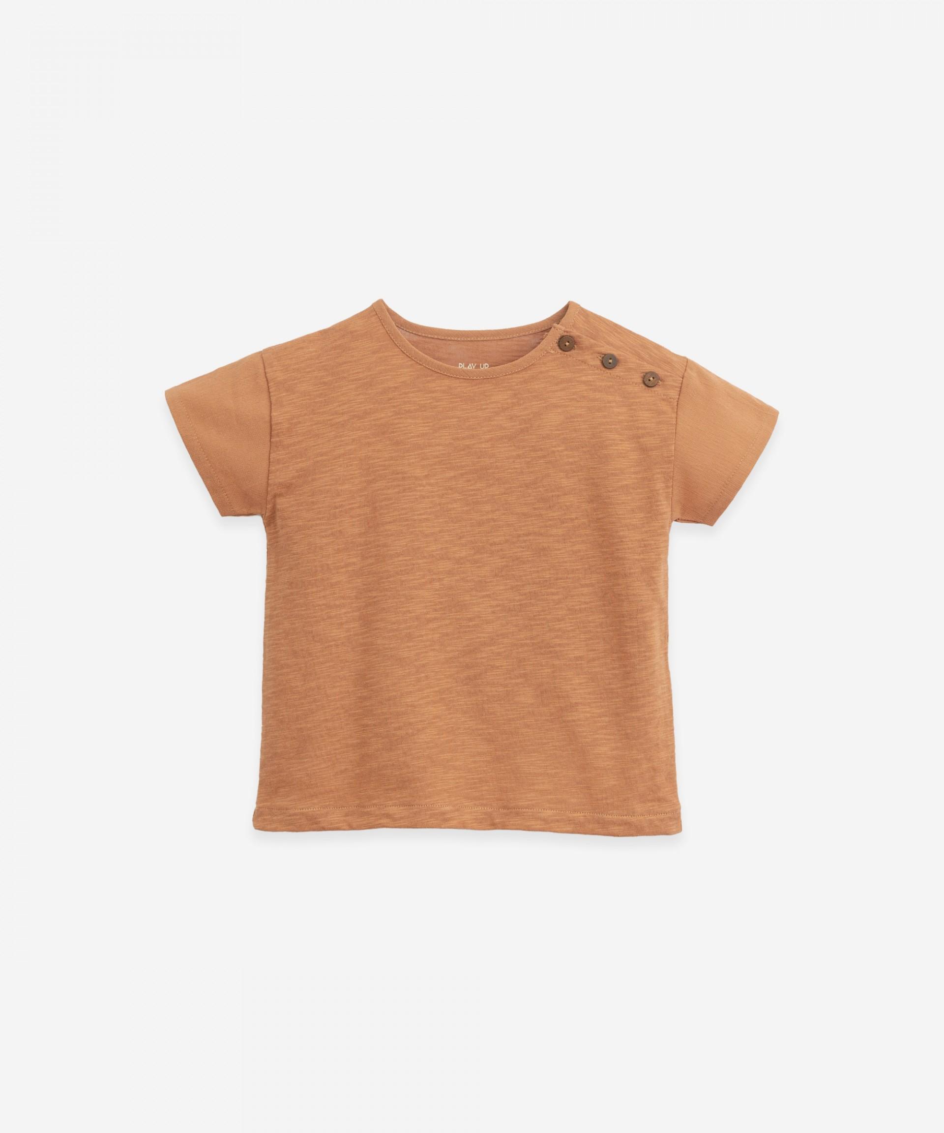 T-Shirt in cotone organico con bottoni | Botany