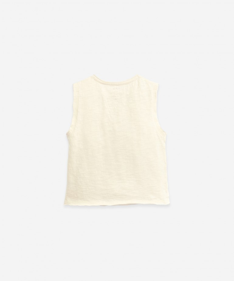 Sleeveless T-shirt in organic cotton
