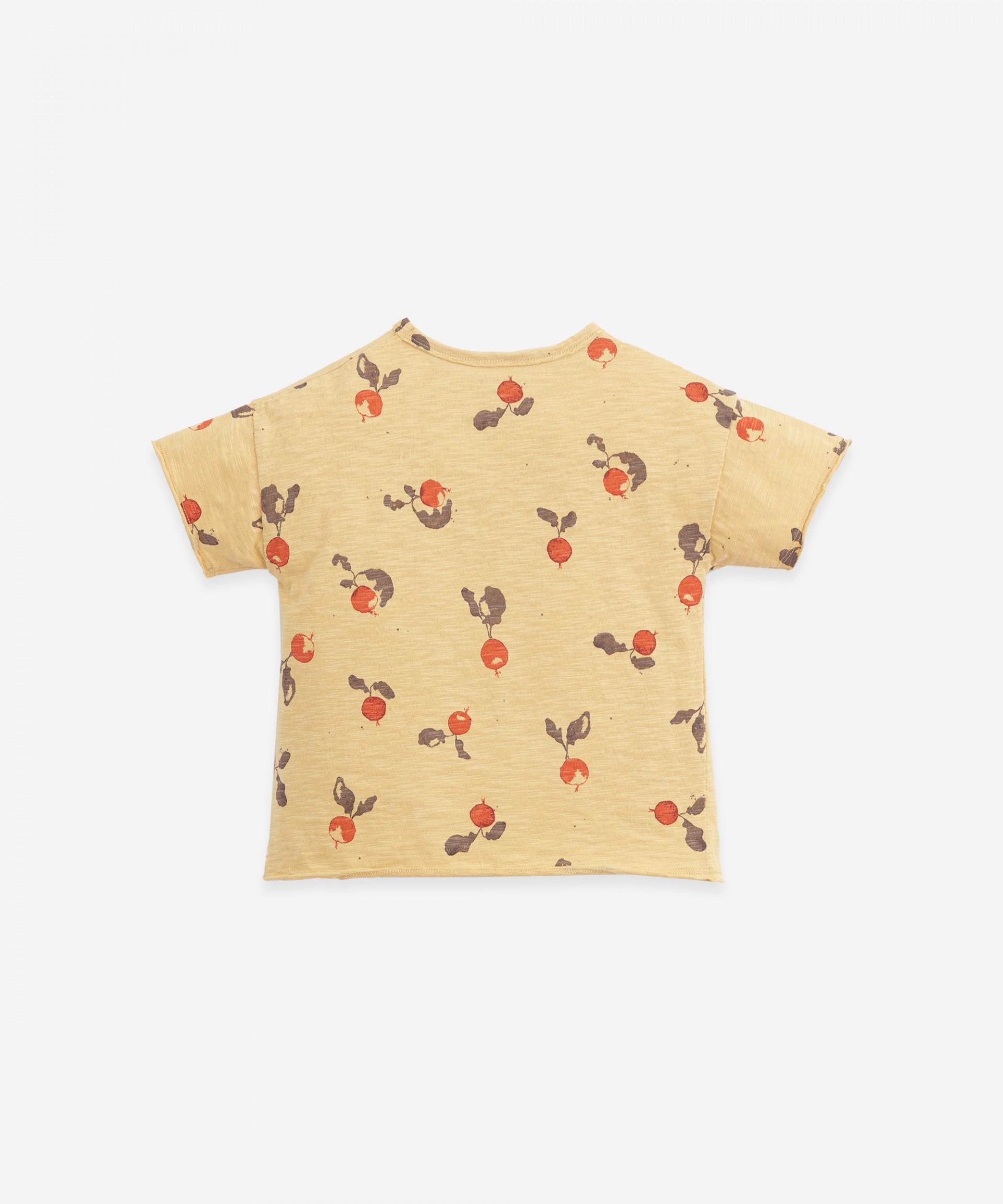 T-shirt com estampado de rabanetes | Botany