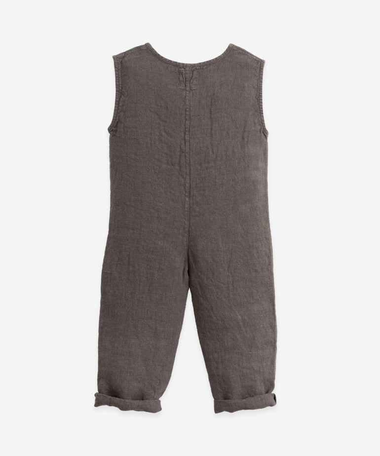 Cotton jumpsuit with coconut buttons