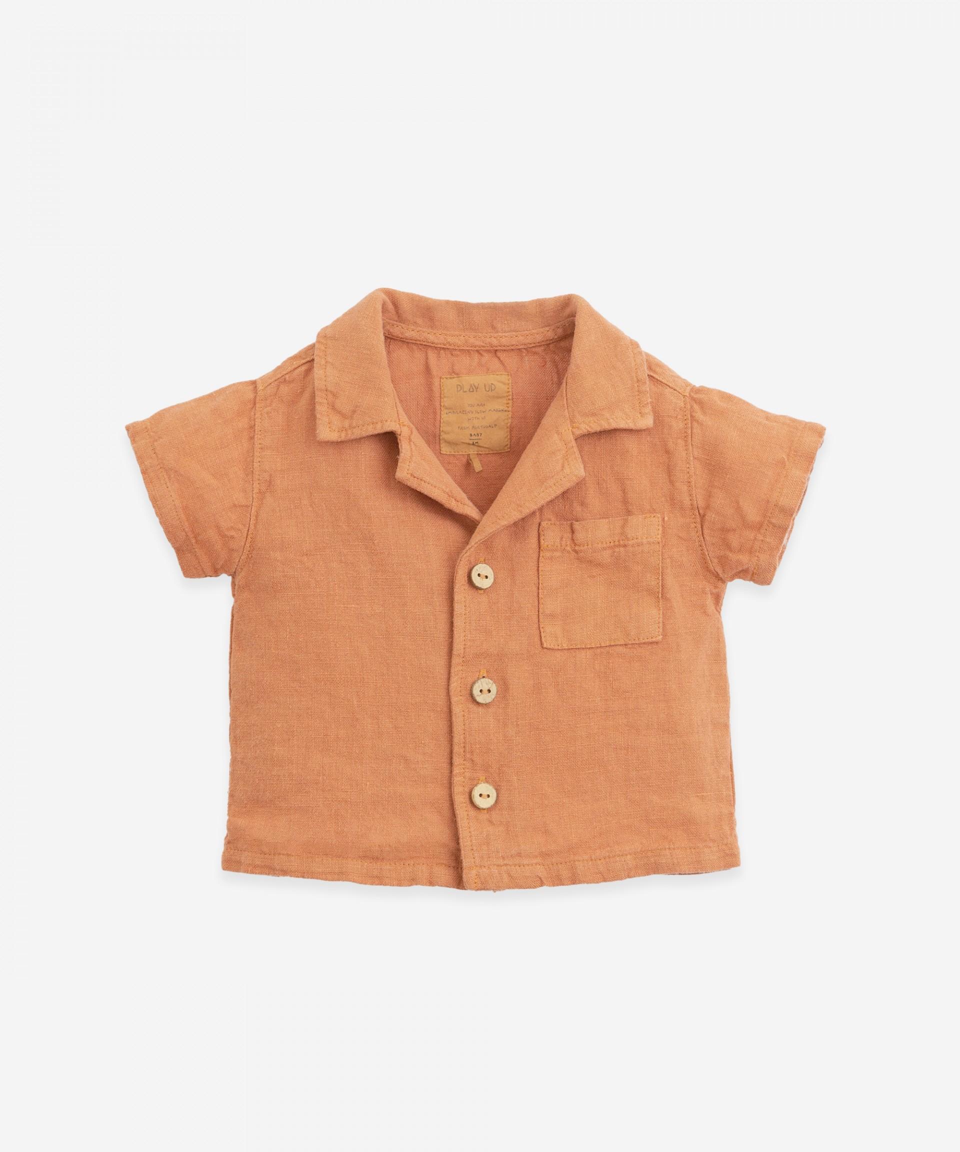 Camicia di lino con bottoni in cocco | Botany