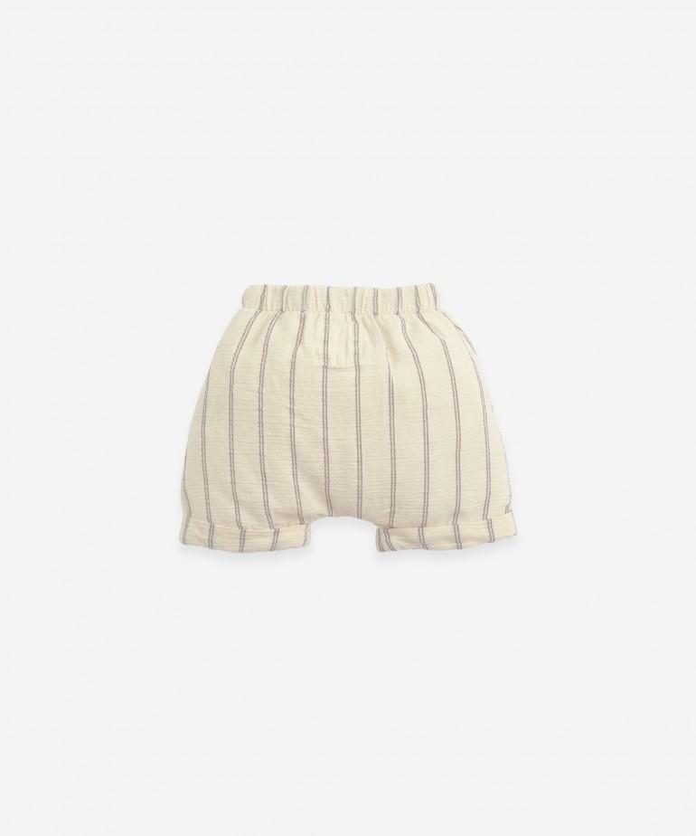 Pantalón corto de rayas
