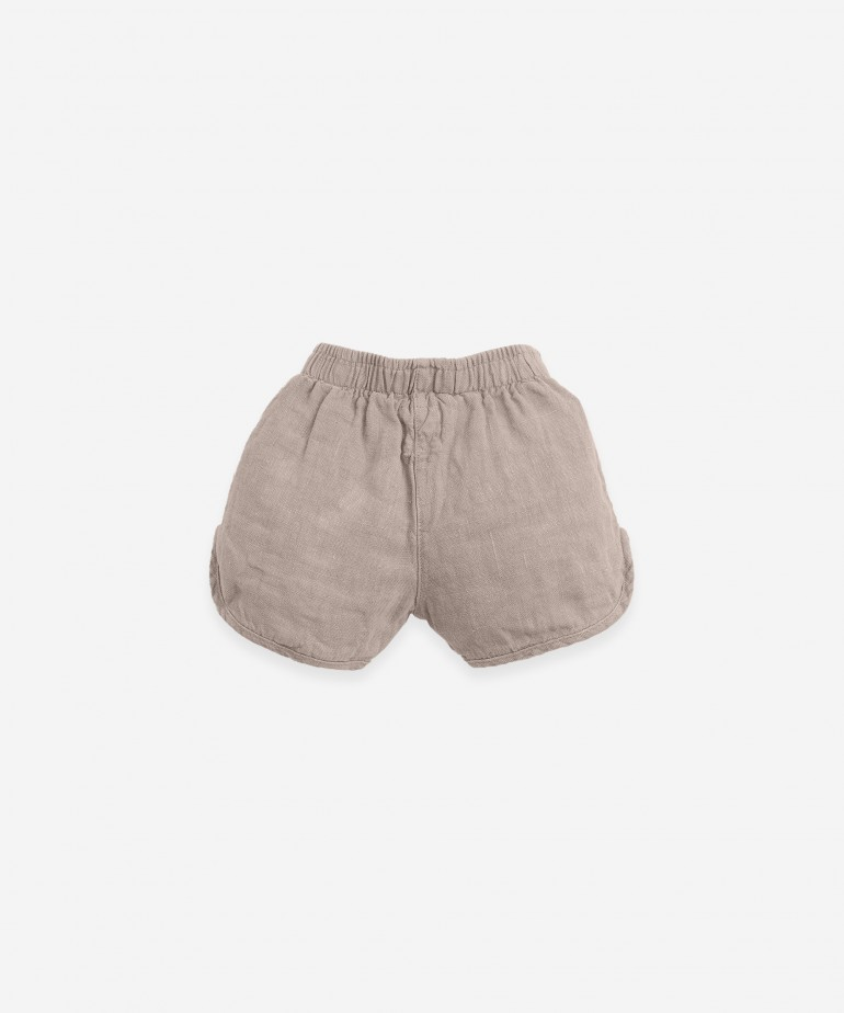 Linen shorts with jute cord