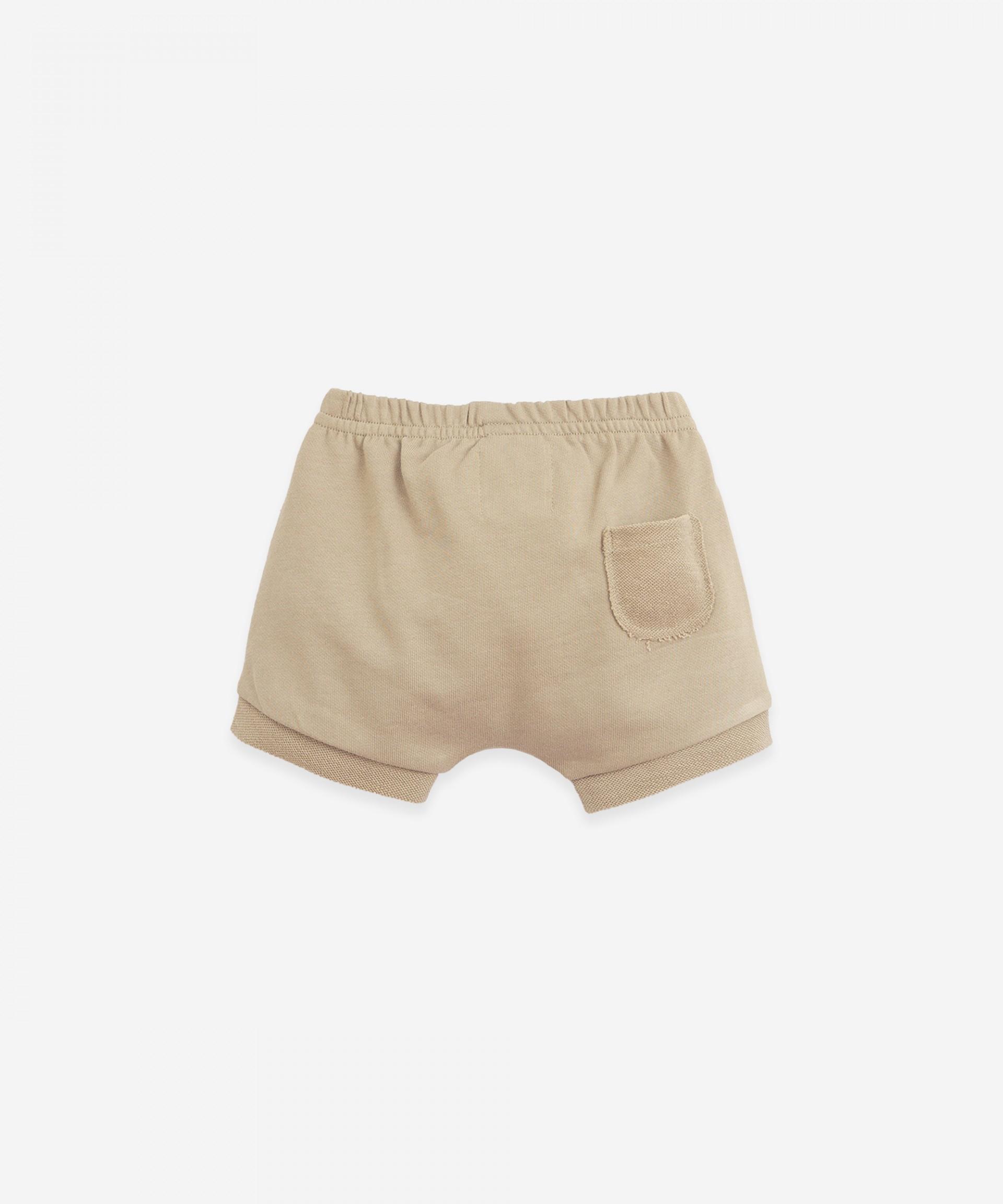 Shorts with rear pocket | Botany