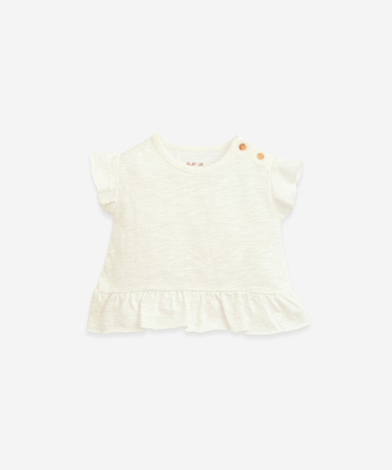 Organic cotton T-shirt with wooden buttons