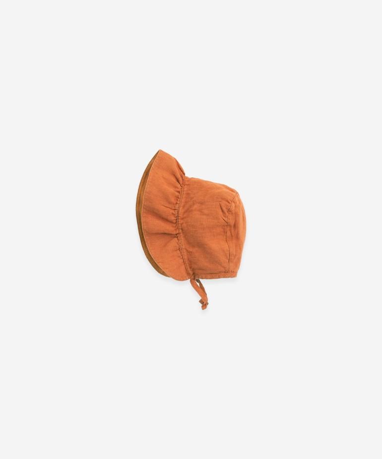 Cappello di lino con volant grande