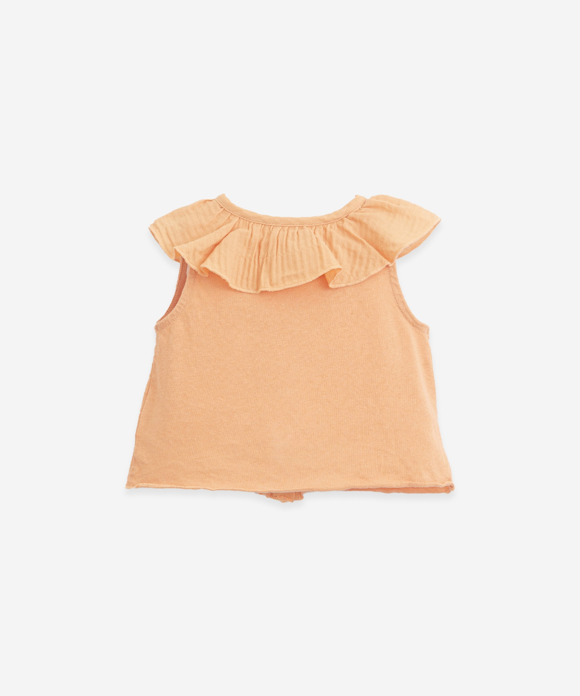 Top with button opening | Botany