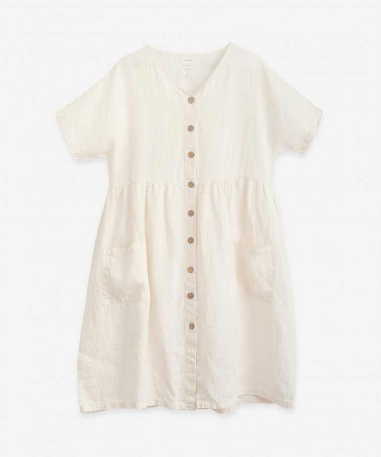 Linen dress with button opening