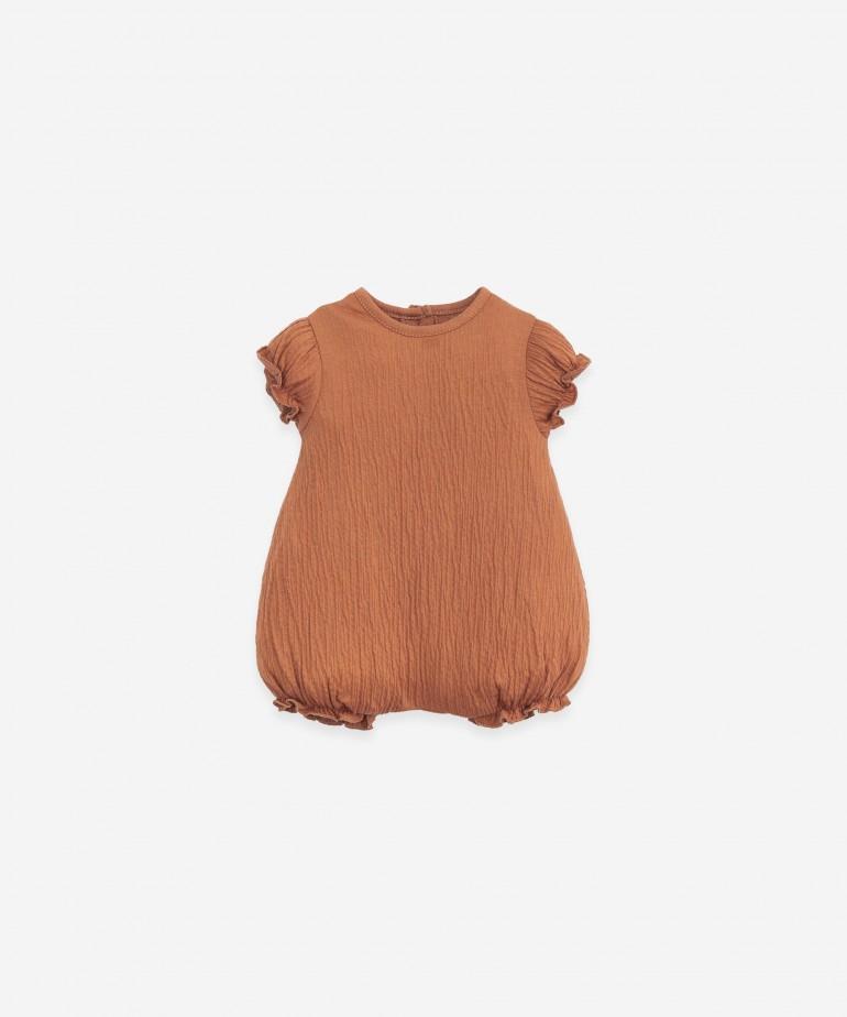 Body em algodão orgânico com manga curta