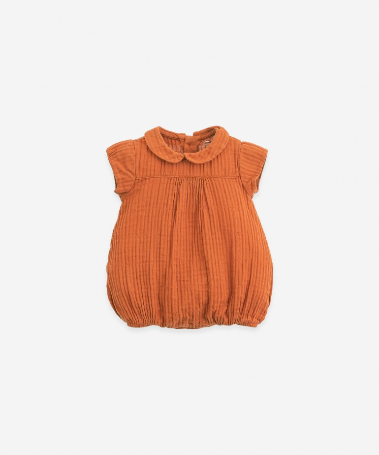 Woven jumpsuit with collar